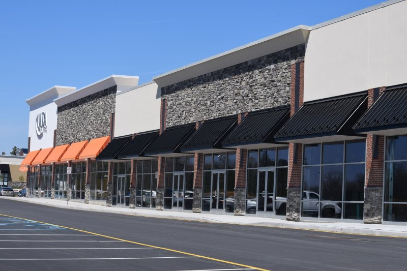 Retailers Flock To Christiana Fashion Center Near The Mall