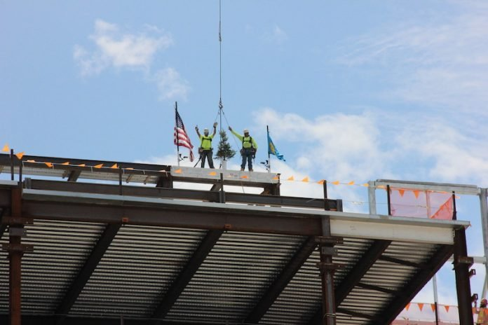 Topping-Out-1-696x464
